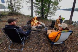 Samling kring lägerelden - foto Jan Eriksson